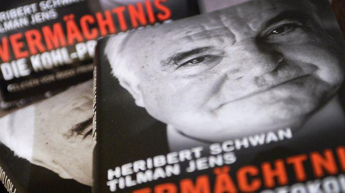 """Heribert Schwan verbrachte nahezu 600 Stunden mit Kohl. Dabei entstanden nicht bloß drei Bände Memoiren, sondern auch die brisanten """"Kohl-Protokolle""""."""