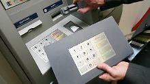 Manipulierte Geldautomaten: Skimming: Kein Grund zur Sorge?