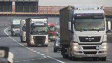 Kolonnen auf der Autobahn: Schenker testet Lkw der Zukunft