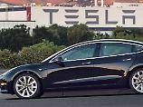 Teslas Hoffnung geht in Serie: Musk präsentiert erstes Model 3