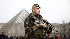 Noch sind die meisten Soldaten mit einem Famas-Sturmgewehr ausgestattet.