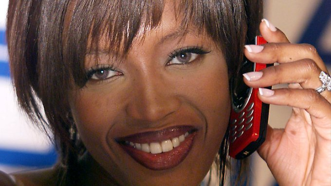 1999 telefonierte Naomi Campbell noch im 2G-Netz.