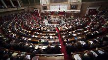 Große Mehrheit des Senats dafür: Frankreich verschärft Sicherheitsgesetze