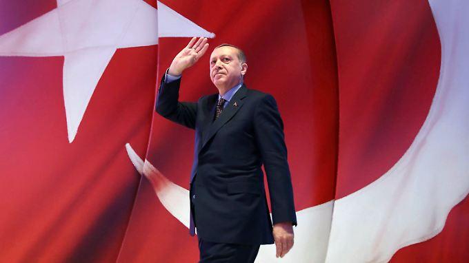 Der türkische Präsident Erdogan strebt nach absoluter Macht, sagt Gülistan Gürbey.
