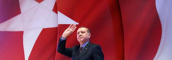 """Politologin über Erdogan: """"Für sein Verhalten gibt es eine einfache Erklärung"""""""