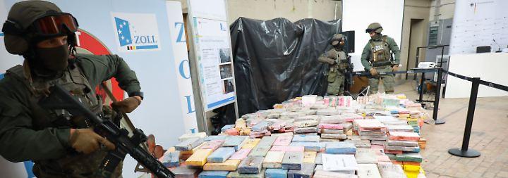 """""""Konnten dem Markt einen Schlag versetzten"""": Hamburger Zoll beschlagnahmt Kokain für 800 Millionen Euro"""
