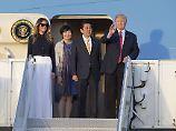 Japans Regierungschef Shinzo Abe mit seiner Gattin Akie im Februar bei ihrem Besuch in den USA.
