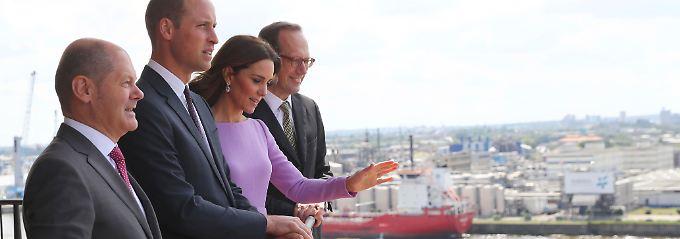 Prinzenpaar in Hamburg: Kate schwingt den Taktstock