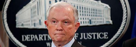 Druck auf Justizminister wächst: Sessions soll Öffentlichkeit getäuscht haben