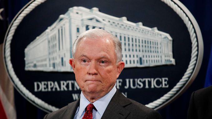 Hat Jeff Sessions gelogen?