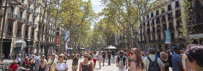 Immer mehr Gäste in Altstadt: Barcelona-Urlauber verdrängen Einheimische