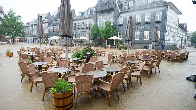 Dauerregen hat zu Überschwemmungen in Goslar geführt.