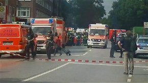 Ein Toter in Hamburg: Mann sticht in Supermarkt mit Messer um sich