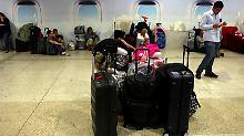 Vom Rest der Welt isoliert: Airlines stellen Flüge nach Venezuela ein