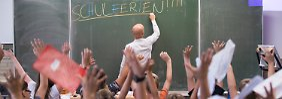 Schüler fallen zurück: Deutschland braucht mehr Lehrer