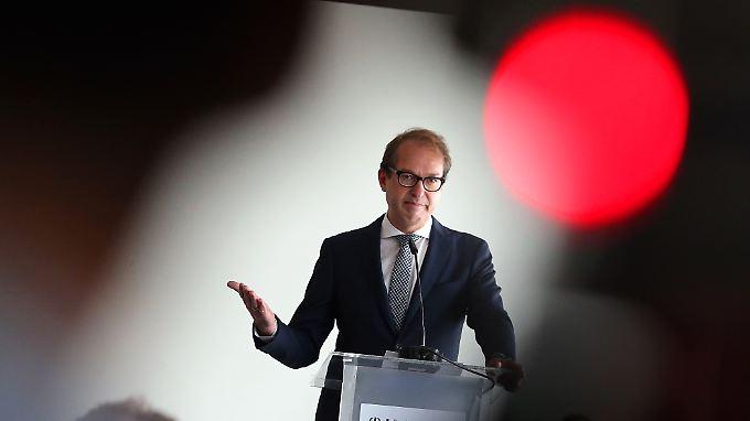 CSU-Minister unter Druck: Kraftfahrtbundesamt soll Porsche-Bericht geschönt haben