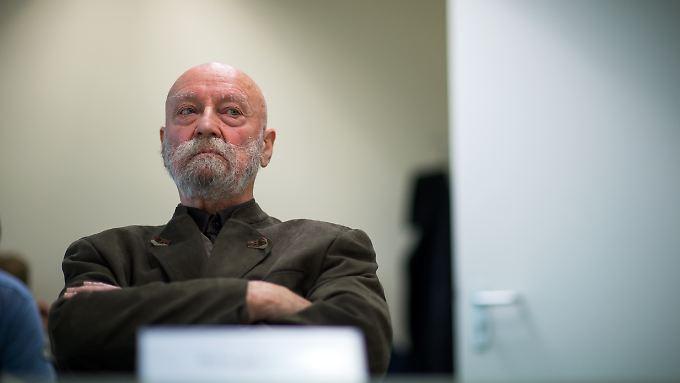 Karl-Heinz Hoffmann sieht sich in seinen Persönlichkeitsrechten verletzt - das sieht das Landgericht Nürnburg-Fürth anders.
