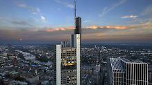 Drohender Milliardenverlust: Steigt der Bund bei der Commerzbank aus?