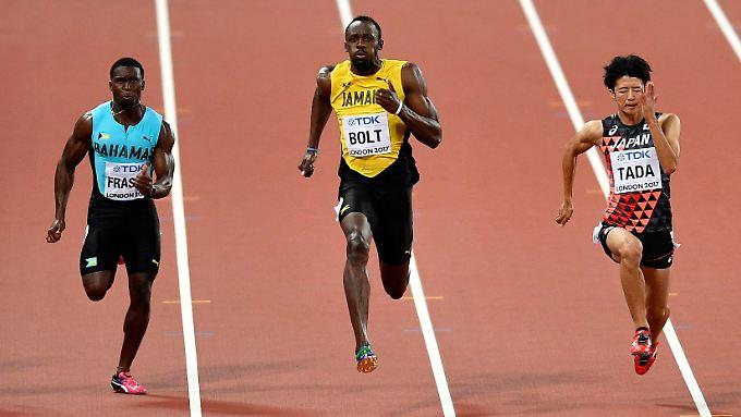 Bolt gewinnt seinen Vorlauf - wie üblich auch ohne vollen Einsatz.