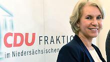 Unmoralische Angebote?: Politiker streiten über Twestens Motive