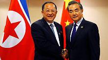 Mit Nordkoreas Außenminister sprach auch der chinesische Kollege Wang Yi - und macht Hoffnung auf Gespräche.
