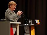 Kanzlerin startet den Wahlkampf: Merkel erhebt Vorwürfe gegen Autoindustrie