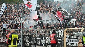Eintracht-Fans in Siegen.