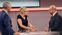 RTL-Townhall-Meeting: Hausmeister Schulz verteilt Geschenke