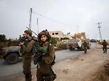 Armee rückt im Westjordanland an: Israel reißt Haus von Attentäter ab