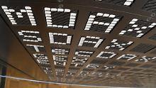 Der Börsen-Tag: Dax schließt im Minus - Stada räumen ab