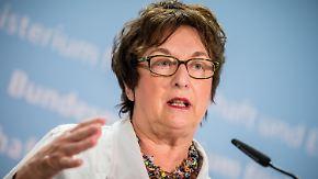 Übernahme von Air Berlin: Zypries warnt vor Lufthansa-Monopol