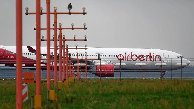 Airline in Schwierigkeiten: Die Mitarbeiter von Air Berlin rollen einer ungewissen Zukunft entgegen.