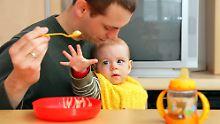 Gleichberechtigte Eltern: Faire Rollenverteilung macht Kinder glücklich