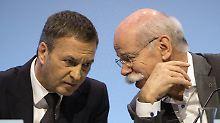 Dieter Zetsche (rechts) und Bodo Uebber reagieren auf das sich ändernde Marktumfeld.
