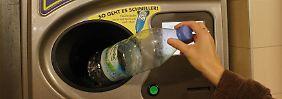 Pfand-Stau im Supermarkt: Kann die Rückgabe beschränkt werden?