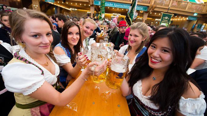 Das Münchner Oktoberfest zieht jedes Jahr Millionen Besucher aus aller Welt an.