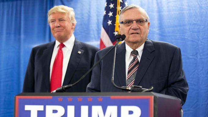 Im Präsidentschaftswahlkampf hatte Arpaio letztes Jahr kräftig für Trump geworben.