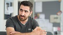 """""""Es hat geklappt"""": Husan wird zum Büromanager ausgebildet"""