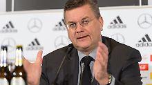 "Nach ""Fan""-Nazi-Eklat: Boss Grindel lobt Verhalten des DFB-Teams"