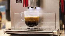 Tägliche Pflege nötig: Kaffeemaschinen sind oft Keimschleudern