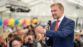 """""""Die Bravo-Hits der CDU"""": Wahlkämpfer legen im Bierzelt nach"""