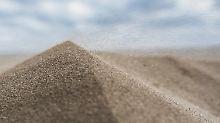 Kostbare Körnchen: Sand ist fast so wertvoll wie Wasser