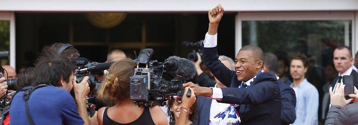 Paris in Millionen-Extase: Uefa prüft Transfertricks von PSG