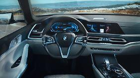 Edel und funktional ist Schaltzentrale des BMW X7 iPerfornance ausgerichtet.