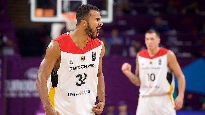 """""""Yeeeeessss!!!"""" - Die deutschen Basketballer schmeißen die hochgewetteten Franzosen aus der EM."""