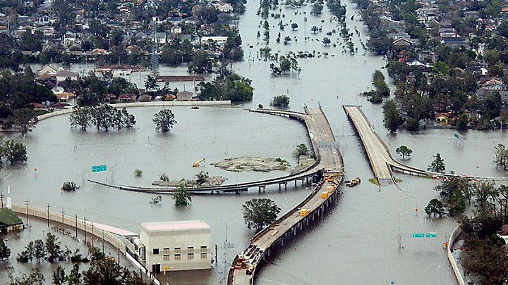 """New Orleans im August 2005 nach Hurrikan """"Katrina"""". 1800 Menschen kamen damals durch eine Sturmflut ums Leben."""