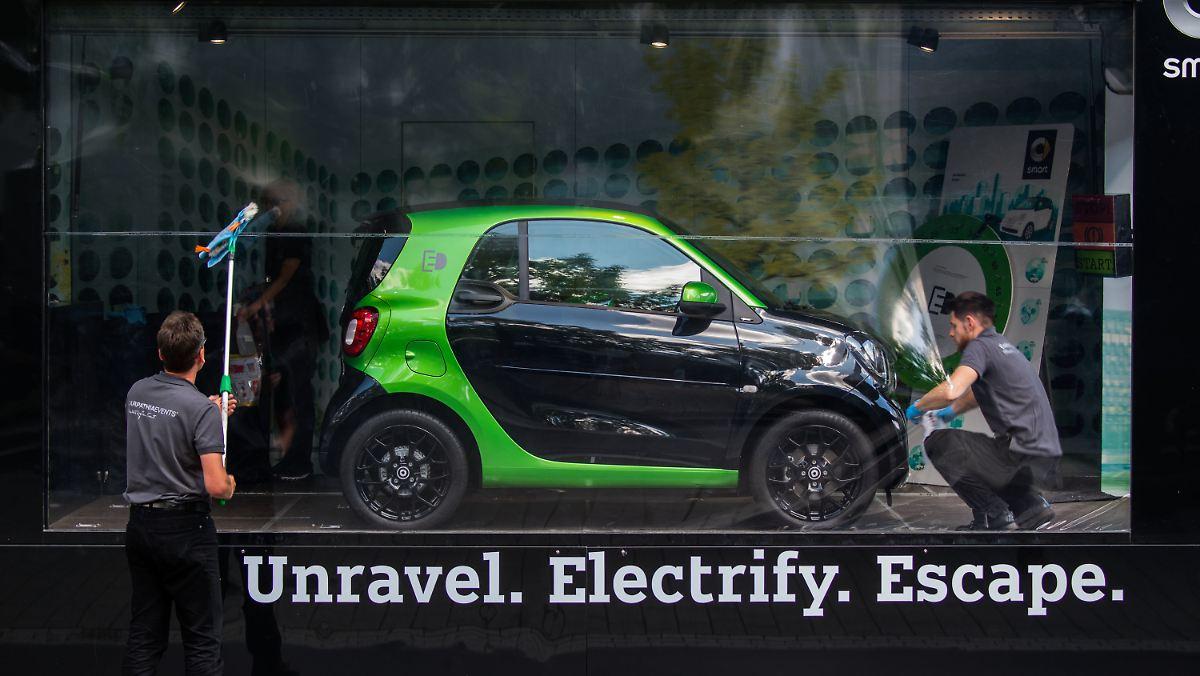Unravel. Electrify. Escape. Smart.
