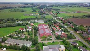 Kerzen und Bio-Energie: Dörfer trotzen Landflucht mit Kreativität
