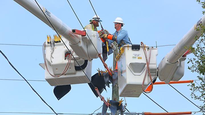 Den Behörden zufolge könnte es Wochen dauern, bis alle Menschen in Florida wieder Strom haben.