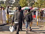 Der Tag: Abgeschobene Afghanen landen in Kabul